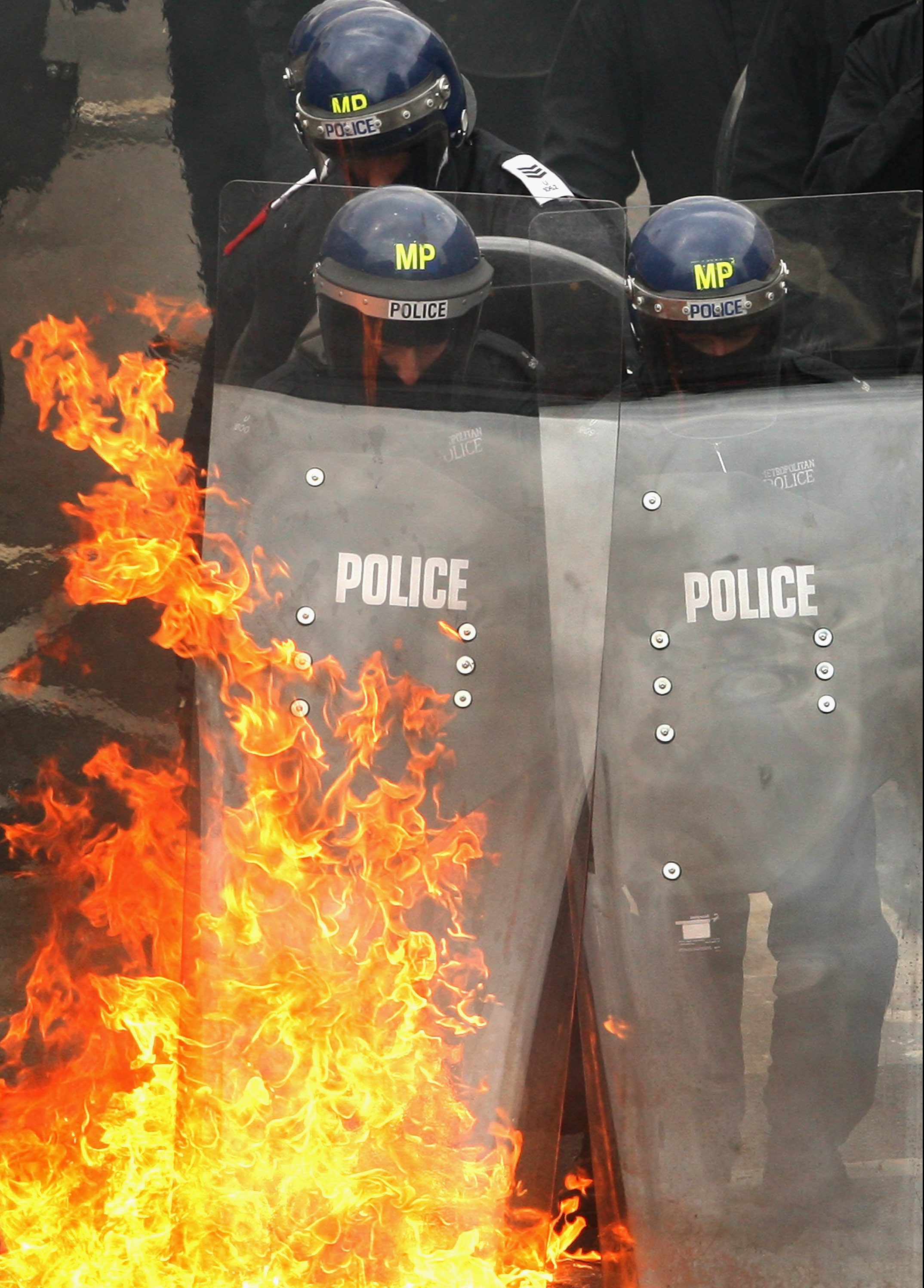 Riot Police from the Territorial Support Group in training (Stock image/Getty)