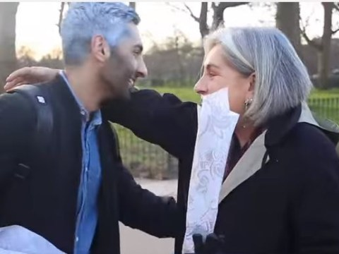 Romantic gives roses to strangers for Valentine's Day