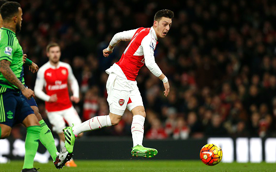 Stats show Arsenal need new striker after 0-0 draw despite Mesut Ozil creating record amount of chances