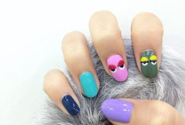 pom pom nail are trend