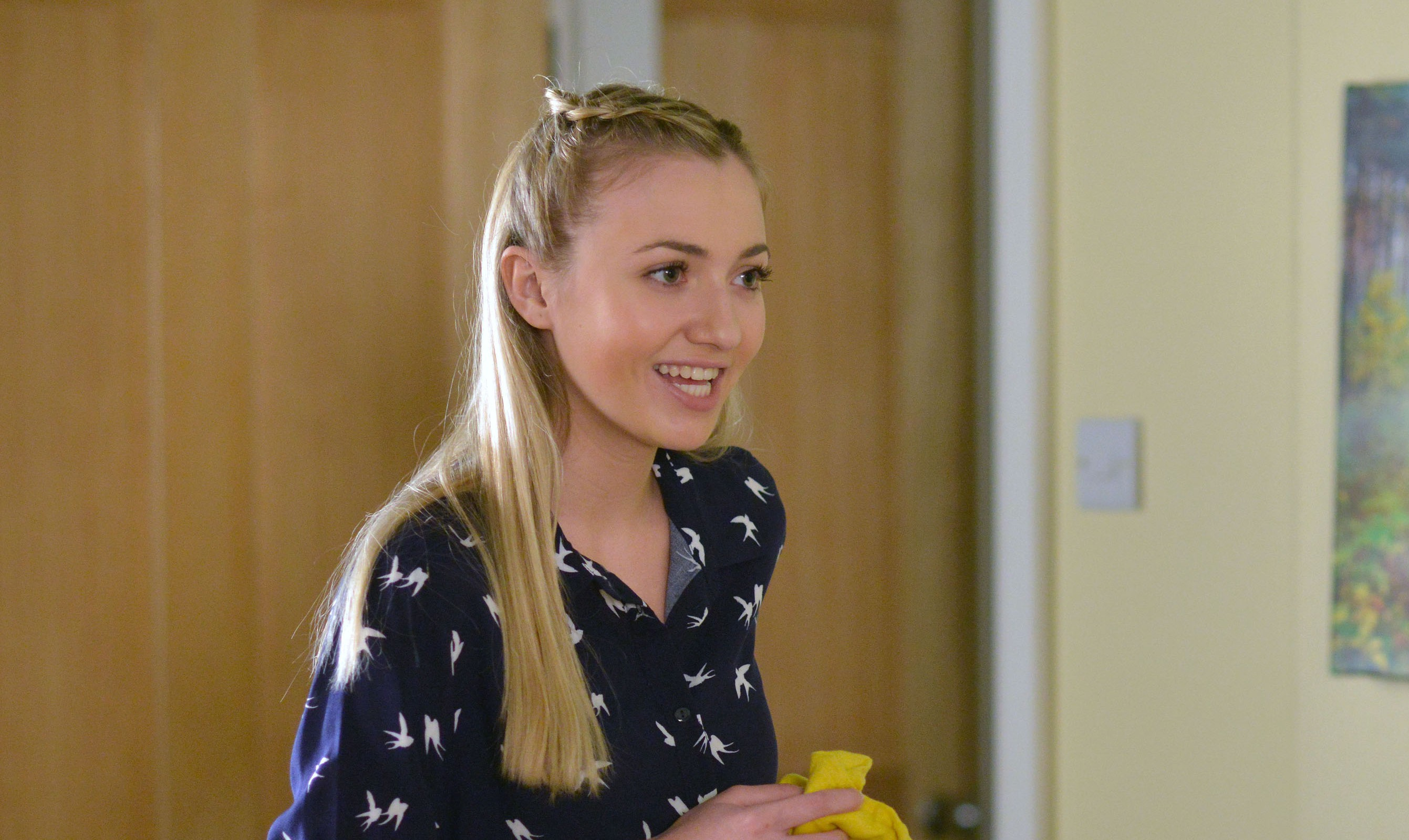 EastEnders spoilers: Louise Mitchell plots to destroy Ben's life after scolding spoon-gate