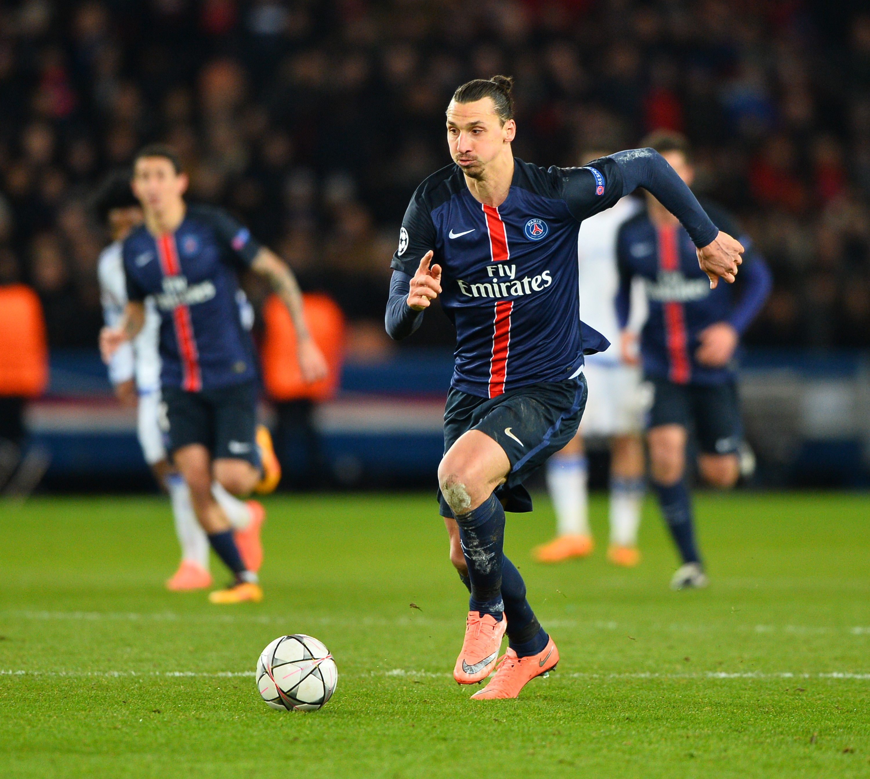 Zlatan Ibrahimovic could snub Arsenal, Chelsea and Manchester United transfer offers to retire