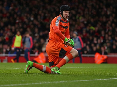 Petr Cech pulls his hamstring in last minute of Swansea match as Arsenal virtually bottle the Premier League