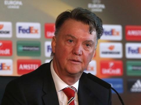 Marouane Fellaini boos are really aimed at Louis van Gaal's Manchester United tactics