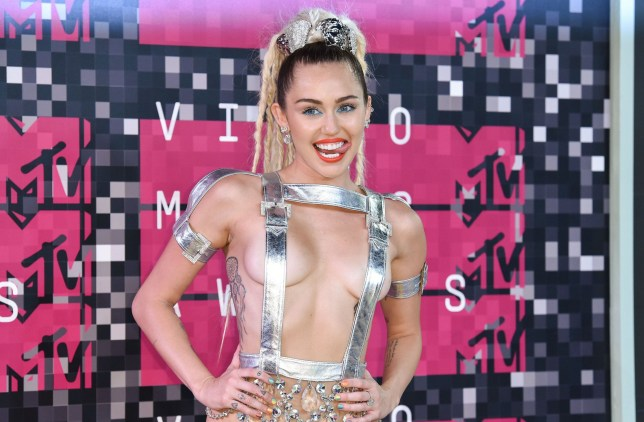 Mandatory Credit: Photo by Rob Latour/REX/Shutterstock (5012161ox)nMiley CyrusnMTV Video Music Awards, Arrivals, Los Angeles, America - 30 Aug 2015nn