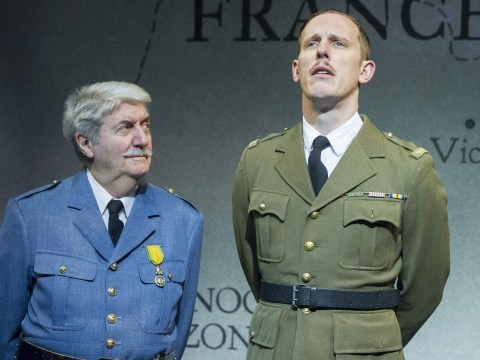 Laurence Fox shocks with 'sweary on-stage rant at theatre heckler'