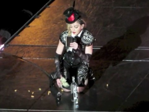 Madonna has onstage breakdown, calls Guy Ritchie 'a son of a b**ch'