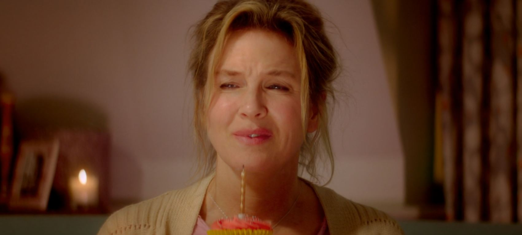 The first full trailer for Bridget Jones's Baby has dropped – and don't worry, it's going to be as good as the first two