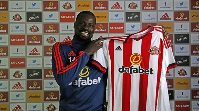 Eboue signs for Sunderland on a short-term deal. (Picture: Twitter)