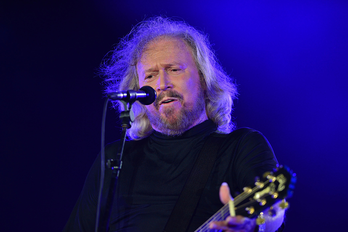 Barry Gibb announces new record deal – just days after wowing the Glastonbury crowds