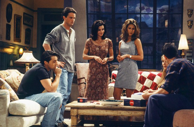 """FRIENDS -- """"The One with the Thumb"""" Episode 3 -- Air Date 10/06/1994 -- Pictured: (l-r) Matt LeBlanc as Joey Tribbiani, Matthew Perry as Chandler Bing, Courteney Cox as Monica Geller, Jennifer Aniston as Rachel Green, Lisa Kudrow as Phoebe Buffay, David Schwimmer as Ross Geller (Photo by Gary Null/NBC/NBCU Photo Bank via Getty Images)"""