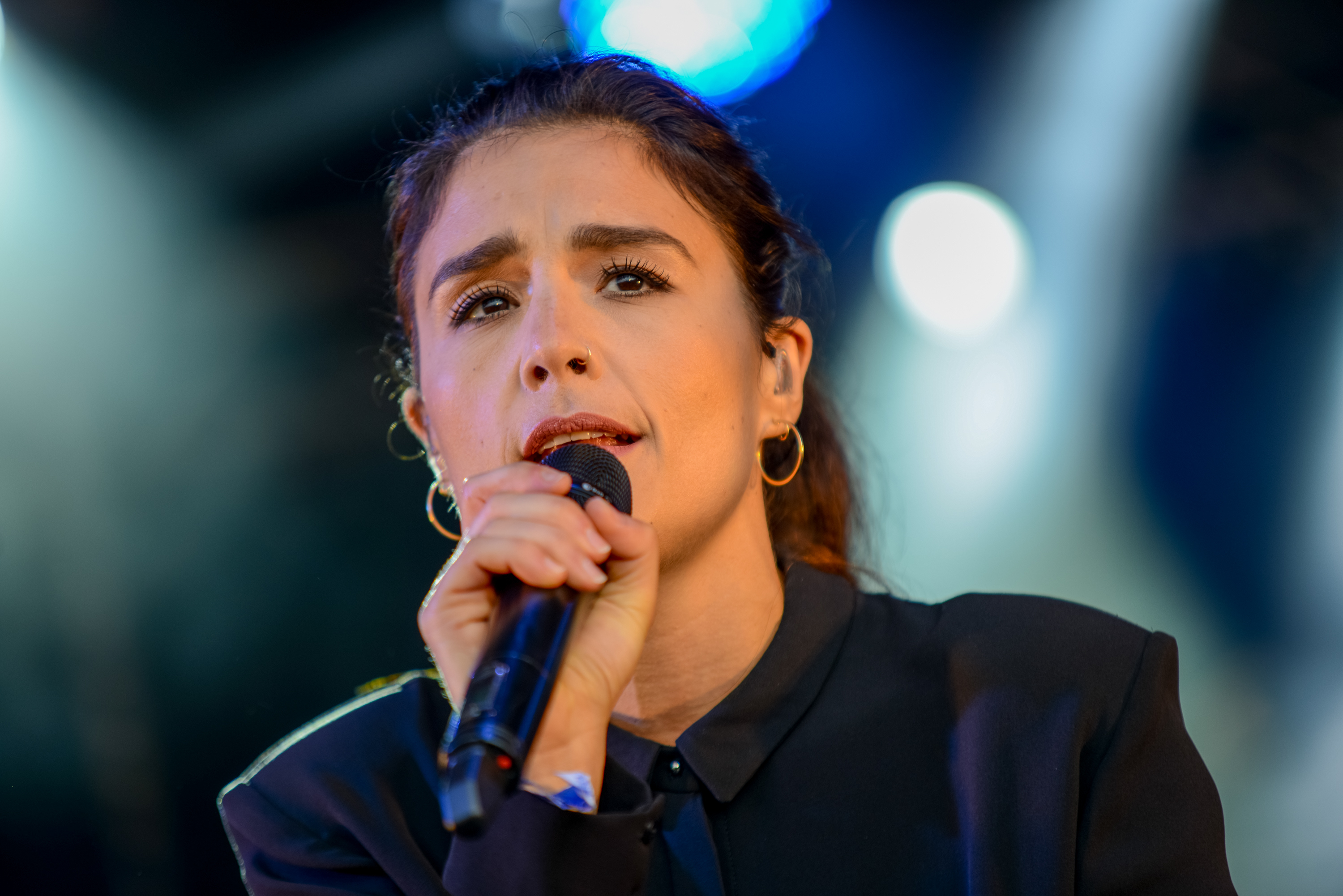 Jessie Ware announces she's 'dropping' a baby this year