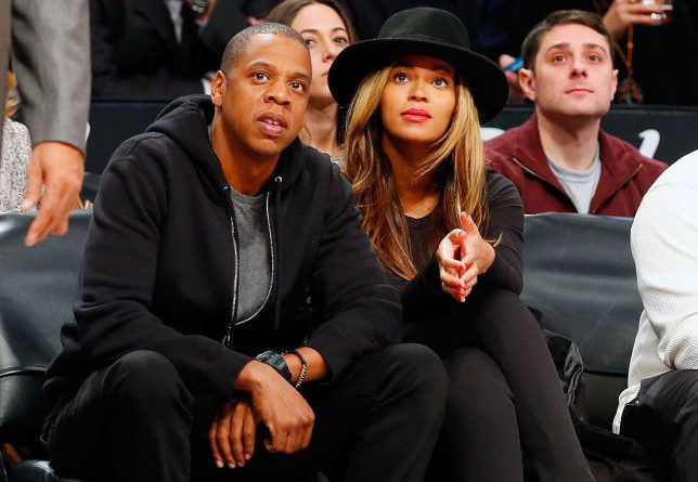 NEW YORK, NY - JANUARY 12: (NEW YORK DAILIES OUT) Musicians Jay-Z and Beyonce attend a game between the Brooklyn Nets and the Houston Rockets at Barclays Center on January 12, 2015 in the Brooklyn borough of New York City. The Rockets defeated the Nets 113-99. NOTE TO USER: User expressly acknowledges and agrees that, by downloading and/or using this Photograph, user is consenting to the terms and conditions of the Getty Images License Agreement. (Photo by Jim McIsaac/Getty Images)