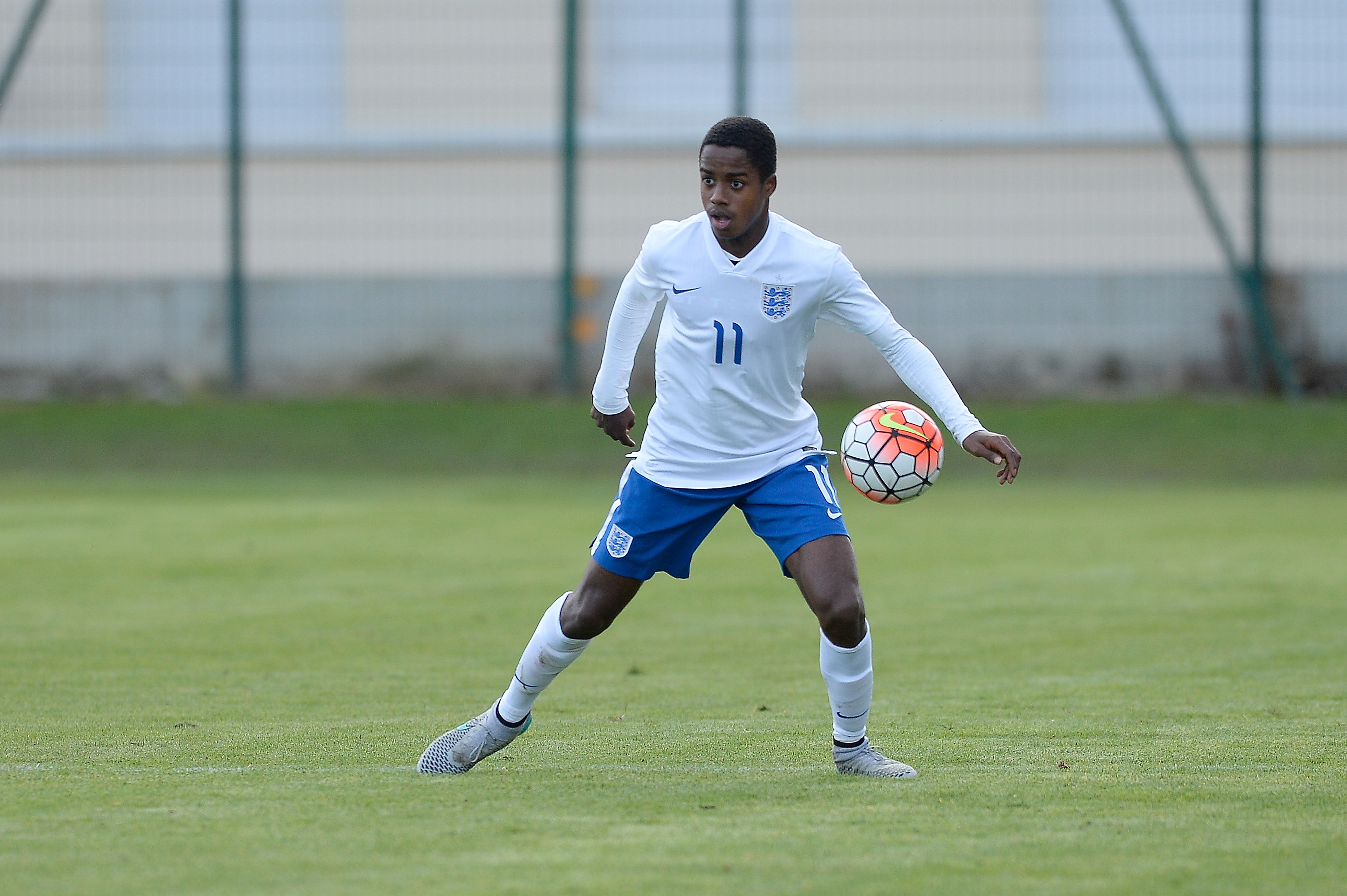 Liverpool join Arsenal in race to sign Fulham's Ryan Sessegnon