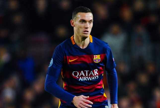 BARCELONA, SPAIN - NOVEMBER 24: Thomas Vermaelen of FC Barcelona runs with the ball during the UEFA Champions League Group E match between FC Barcelona and AS Roma at Camp Nou stadium on November 24, 2015 in Barcelona, Spain. (Photo by David Ramos/Getty Images)