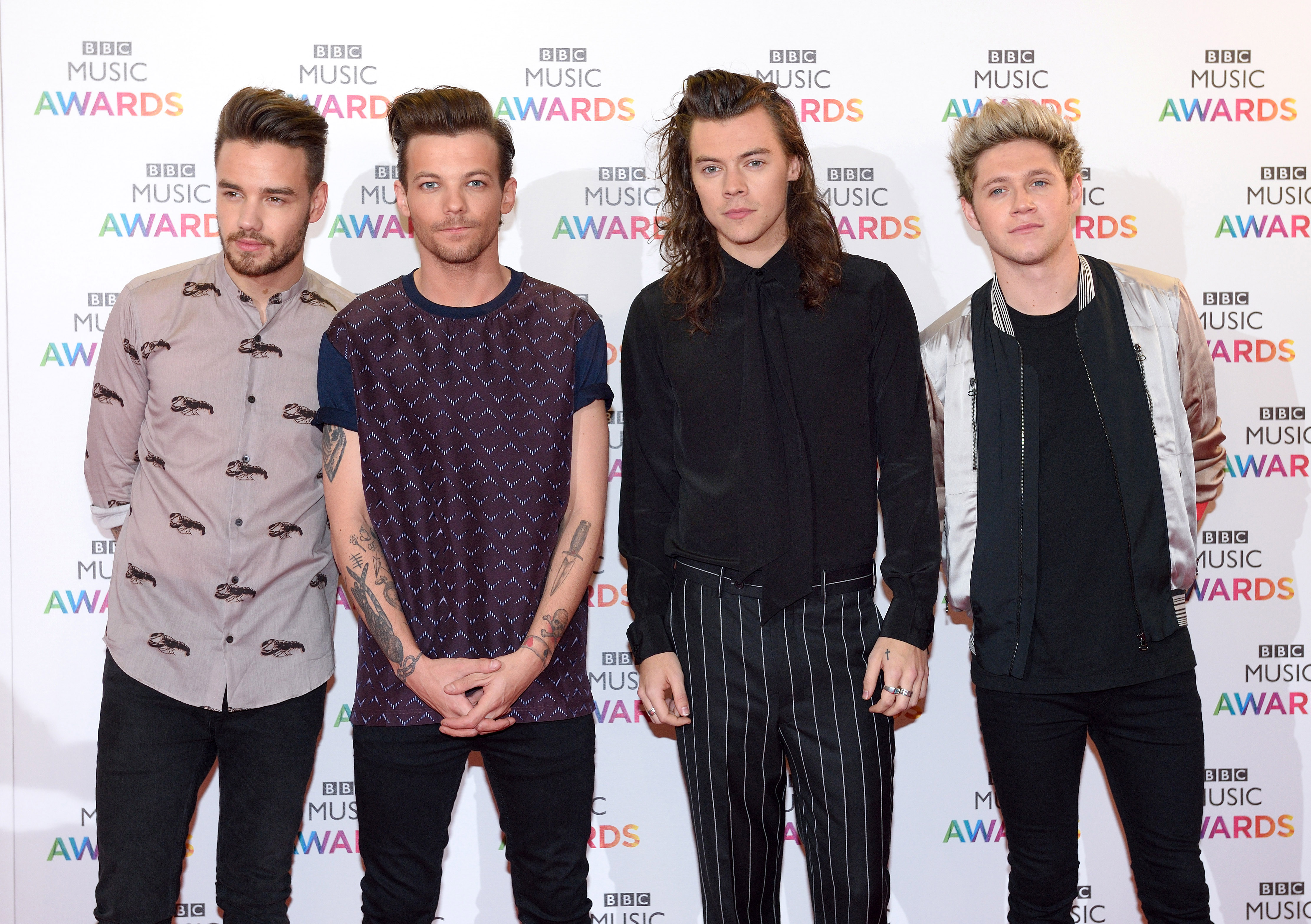 Judge stops court case over fake One Direction merch because he hasn't heard of the band – WHAT?