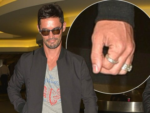 Jean-Bernard Fernandez Versini wears wedding ring as 'he flies to LA for divorce talks with Cheryl'