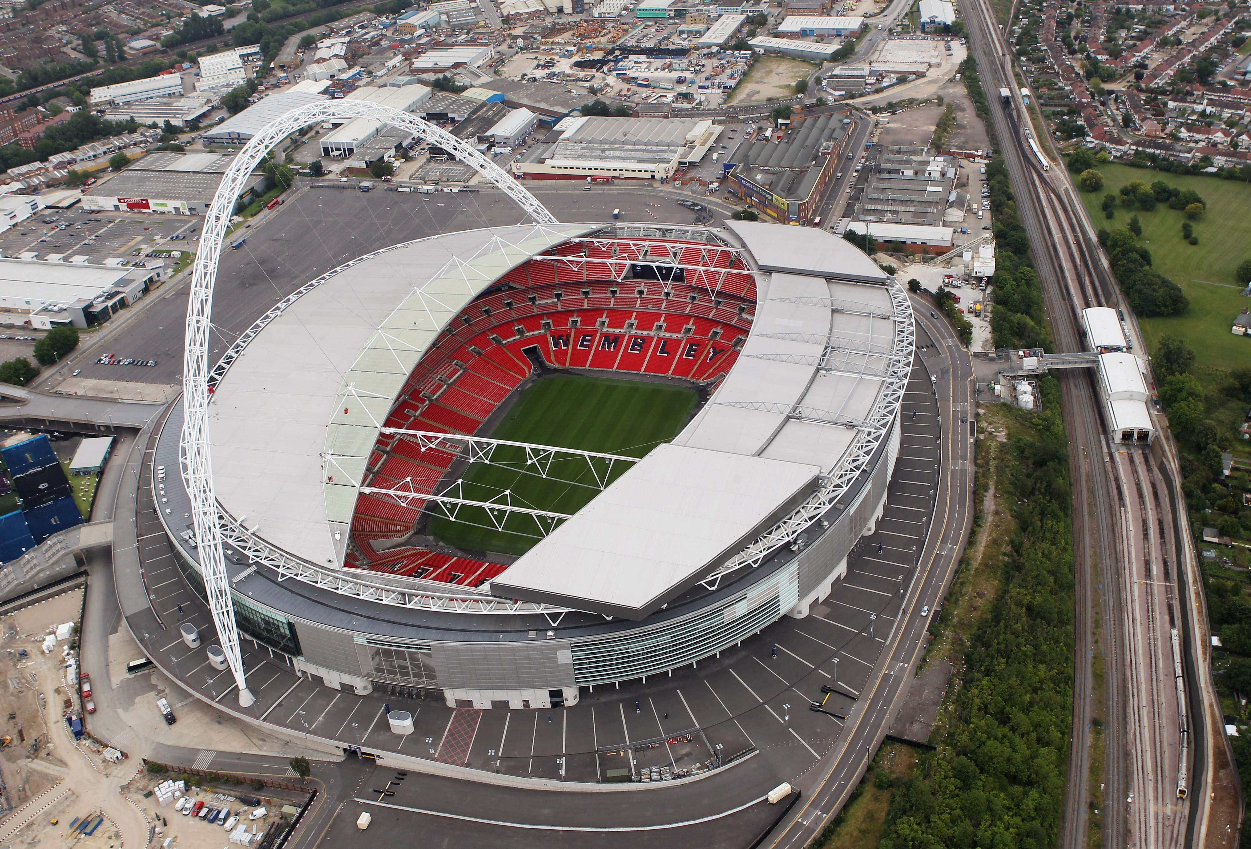Tottenham Hotspur agree deal to use Wembley for Champions League matches in 2016/17 season