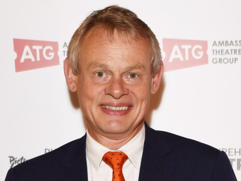 Martin Clunes is offering £2000 for another fan whose dog is missing