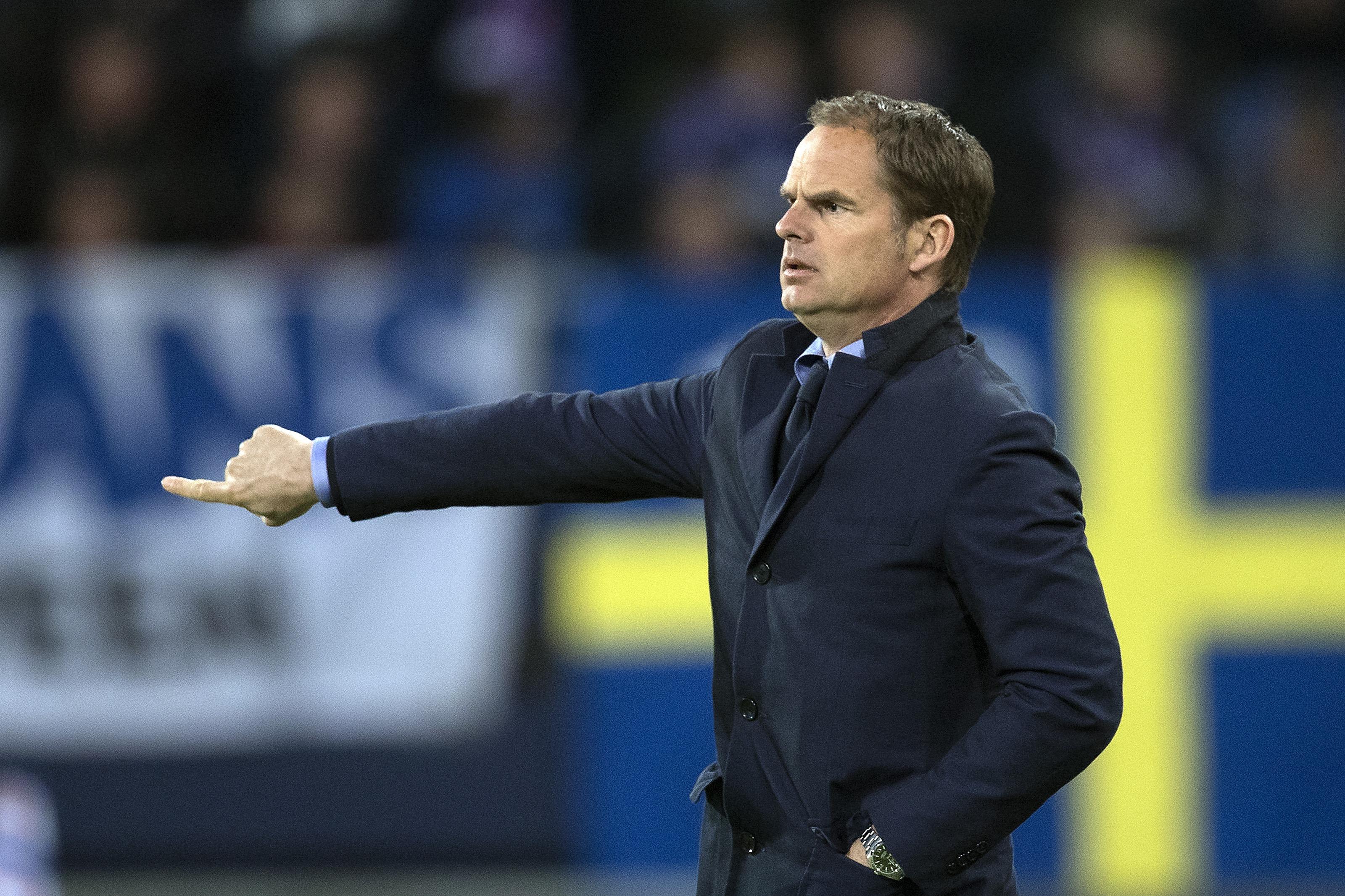 Everton already in talks to hire Frank de Boer as Roberto Martinez's replacement