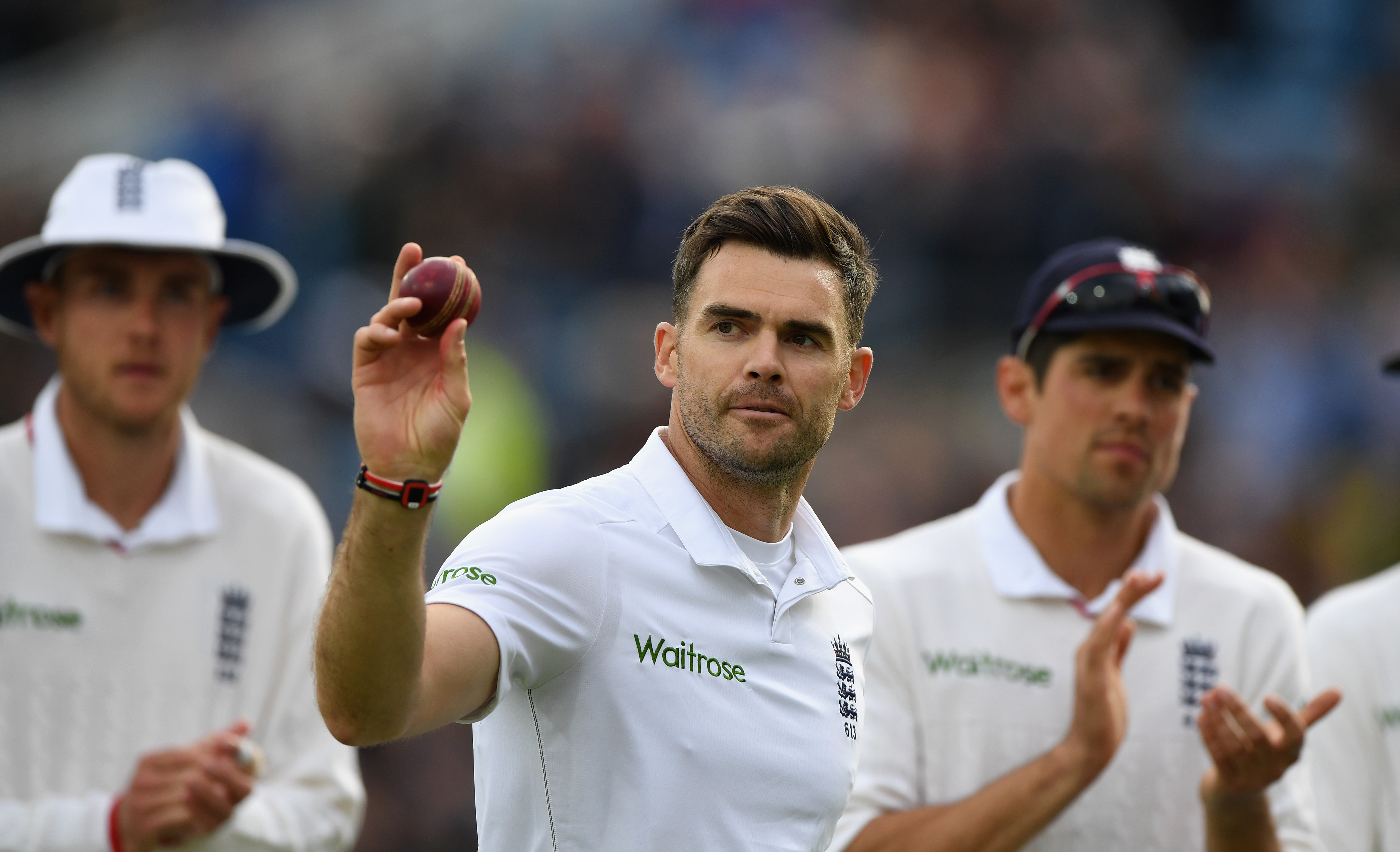 Jimmy Anderson replaces Stuart Broad as world's No.1 Test bowler