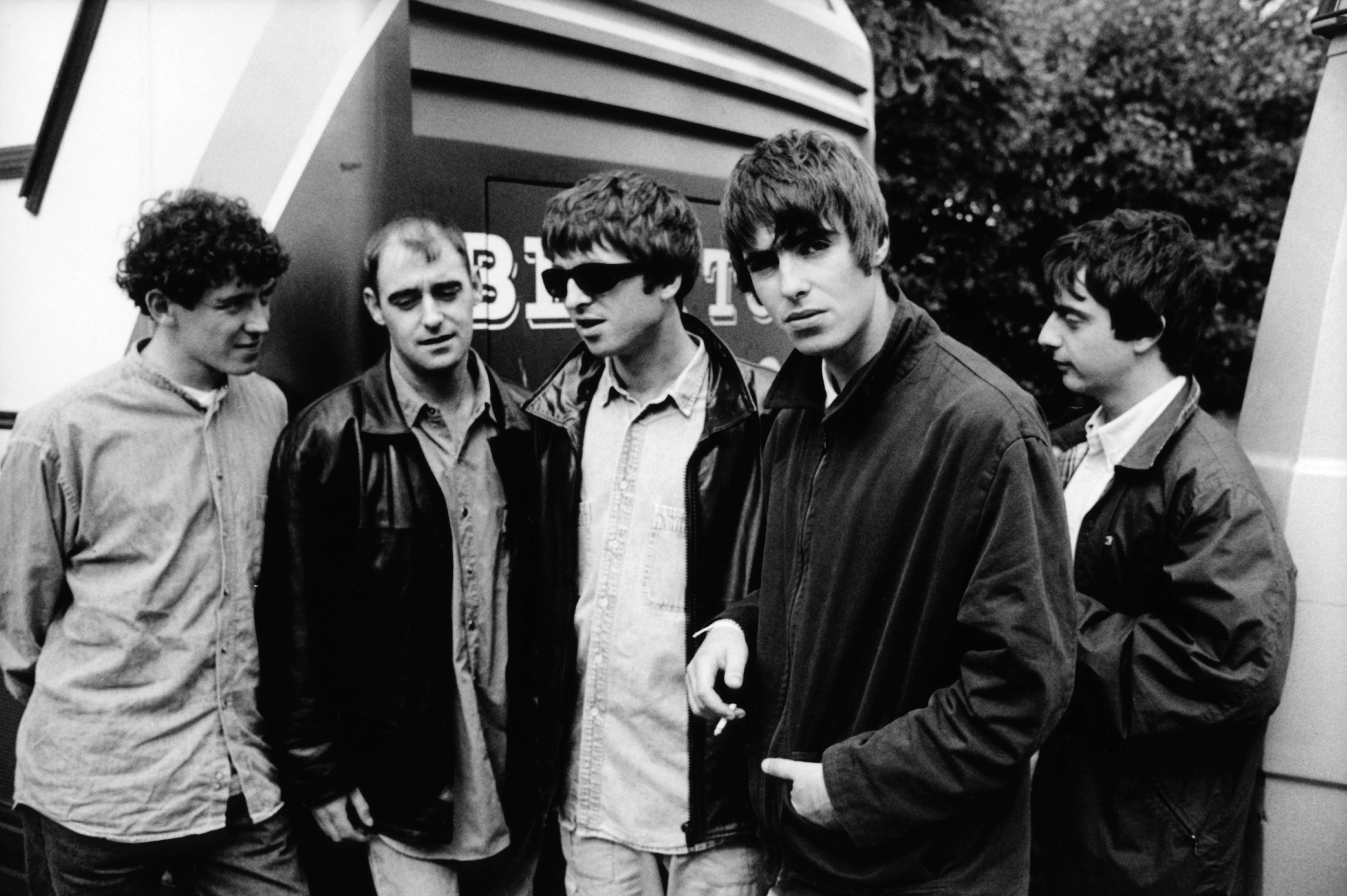 Oasis have started 'booking support bands for 2017 reunion tour'
