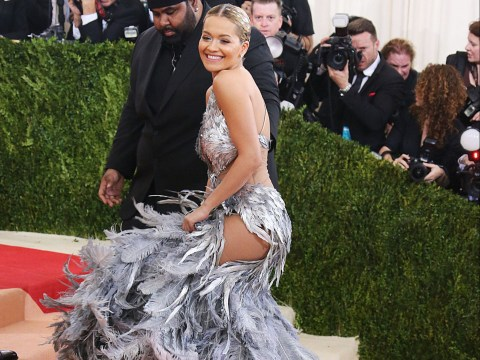 Rita Ora really struggled with the stairs at the Met Gala