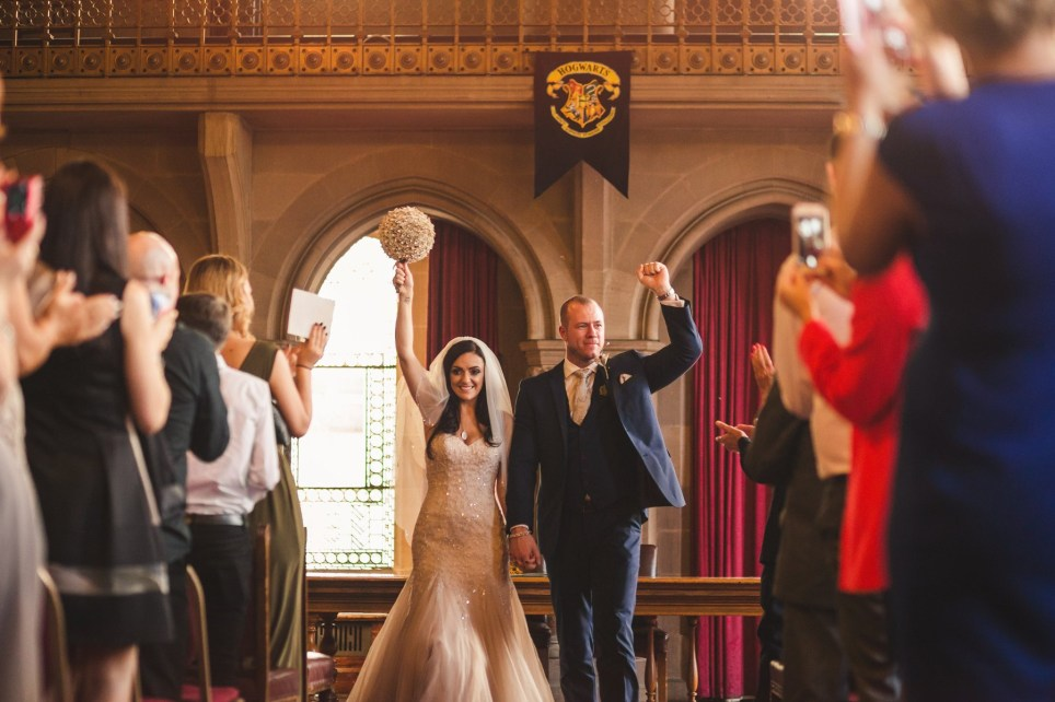 82ea5fd5 A couple had a Harry Potter themed wedding and the detail is absolutely  mind-blowing