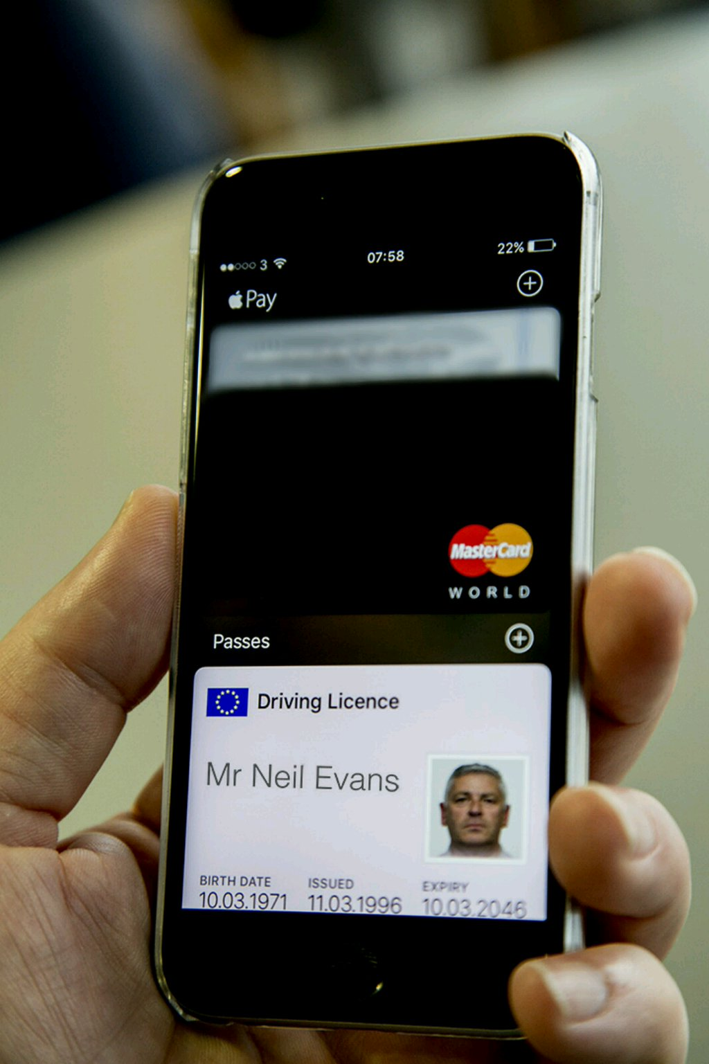 Your driving licence could be on your smartphone soon