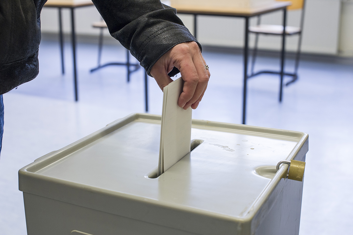 Voters sent multiple polling cards 'could vote twice'