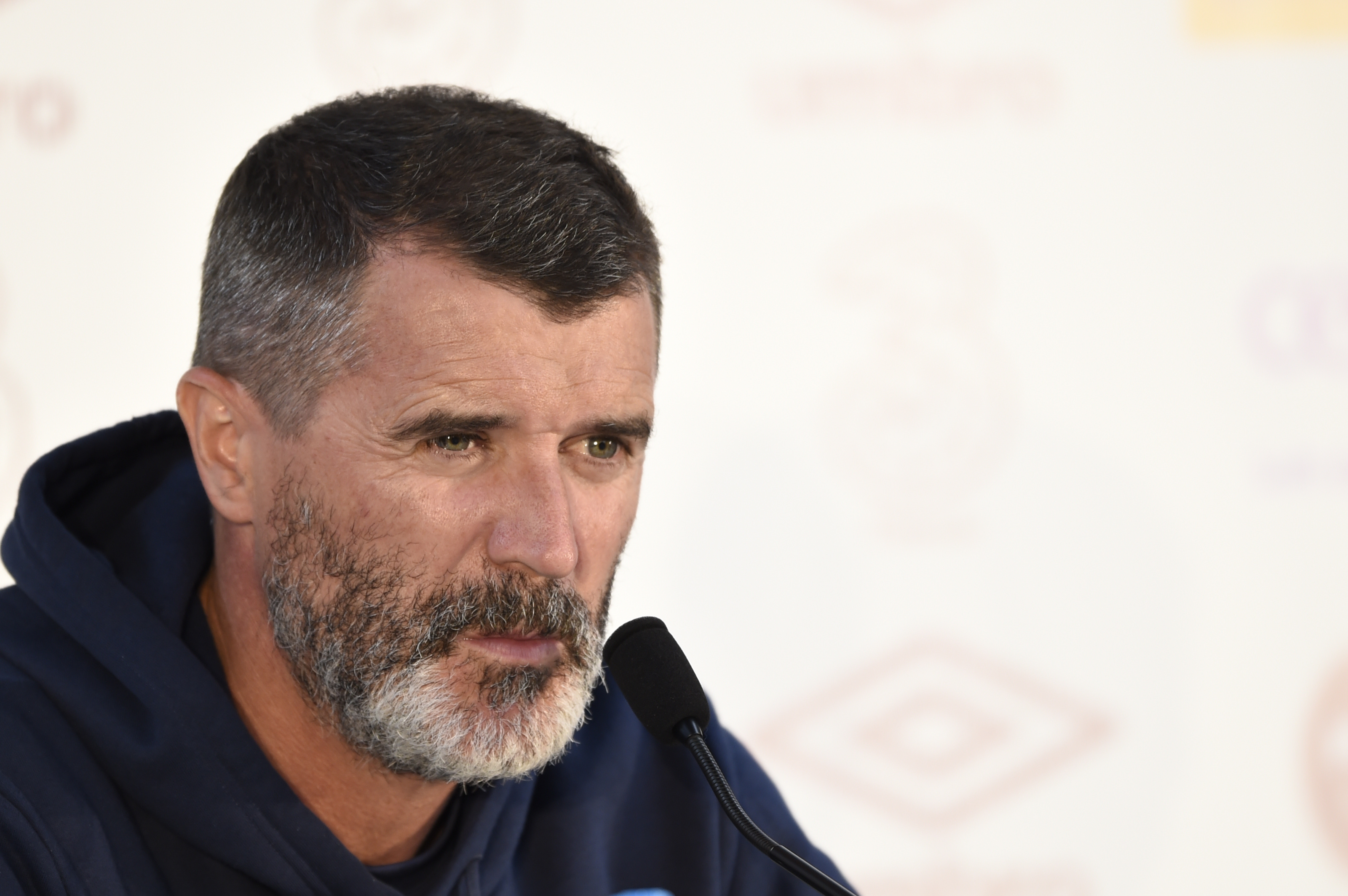 Manchester United legend Roy Keane complains beds are too soft in Ireland's training camp