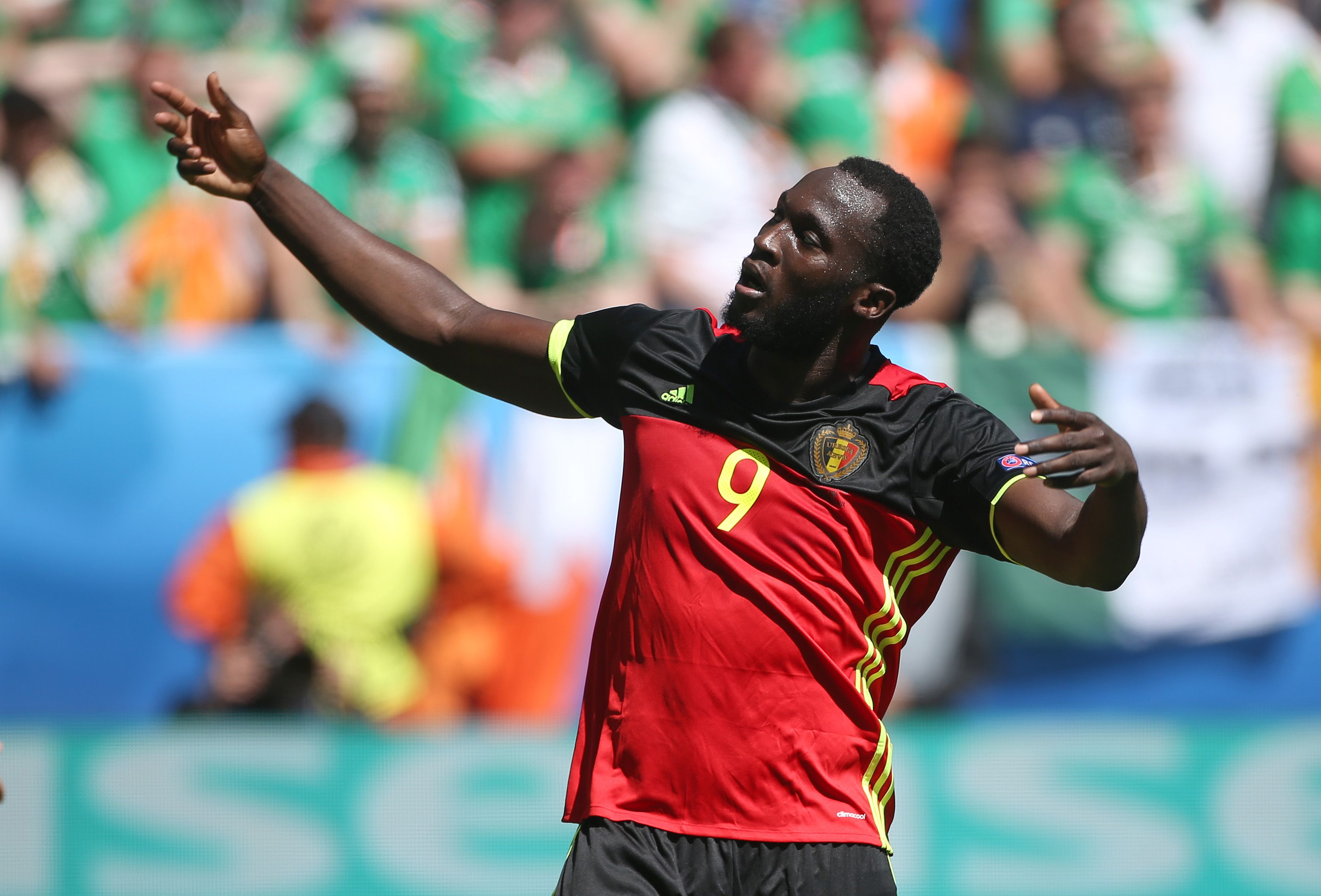 Chelsea star Eden Hazard gives support for potential Romelu Lukaku transfer