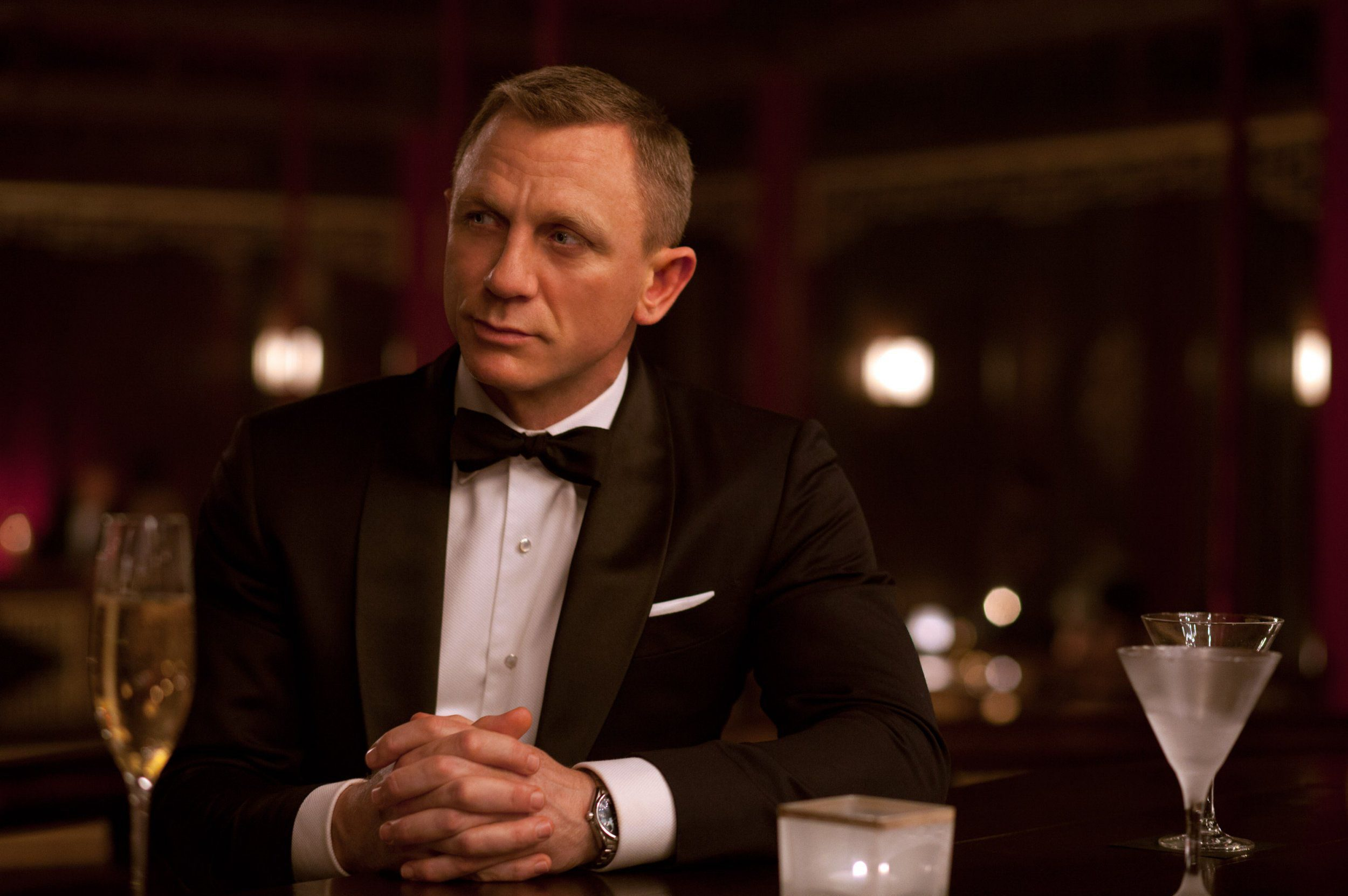No Merchandising. Editorial Use Only. No Book Cover Usage Mandatory Credit: Photo by Col Pics/Everett/REX/Shutterstock (1966623c) SKYFALL, Daniel Craig as James Bond Skyfall - 2012