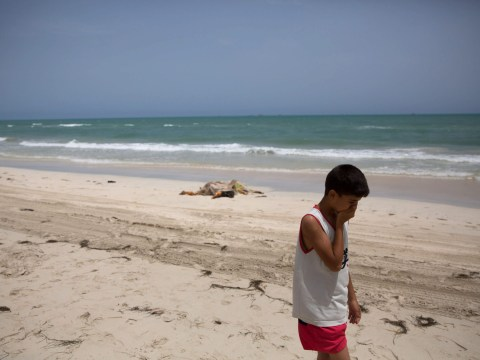 Bodies of drowned refugees are washing up on Libyan beaches