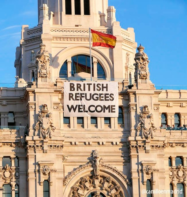 Spain welcomes Britons Twitter/@camiloenmadrid