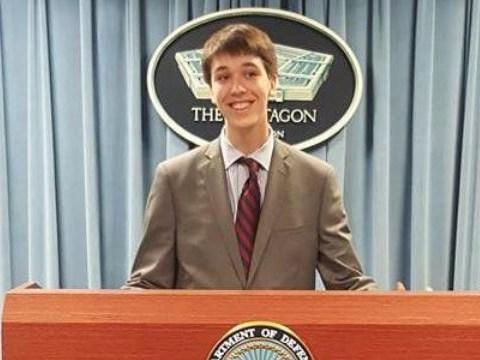 Teenager hacks Pentagon websites, gets thanked for finding bugs