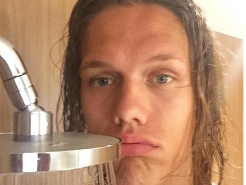 Werder Bremen defender Jannik Vestergaard has disaster in Japanese shower