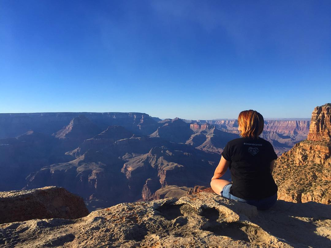 Final picture of woman who fell off the Grand Canyon and died Instagram/colleenburns