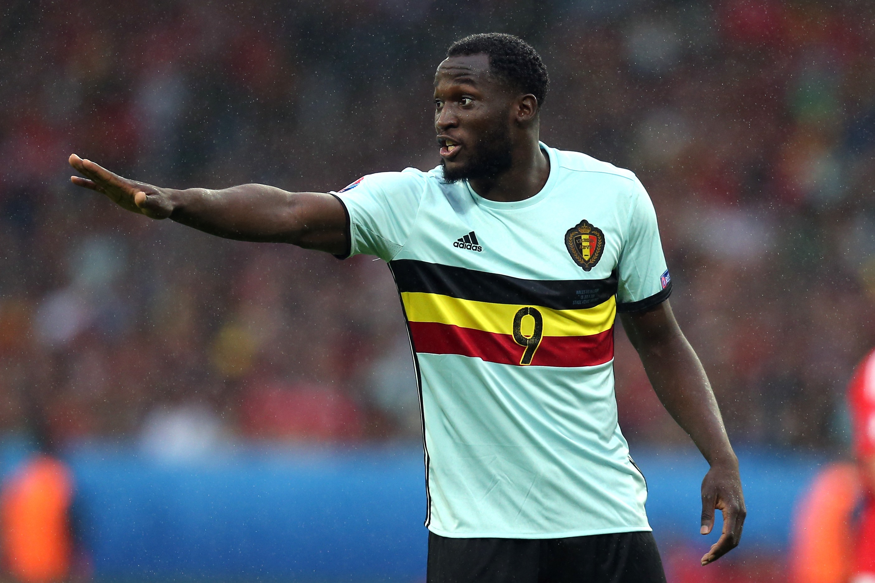 Romelu Lukaku set for crunch talks with Everton after Chelsea baulk at £75m asking price
