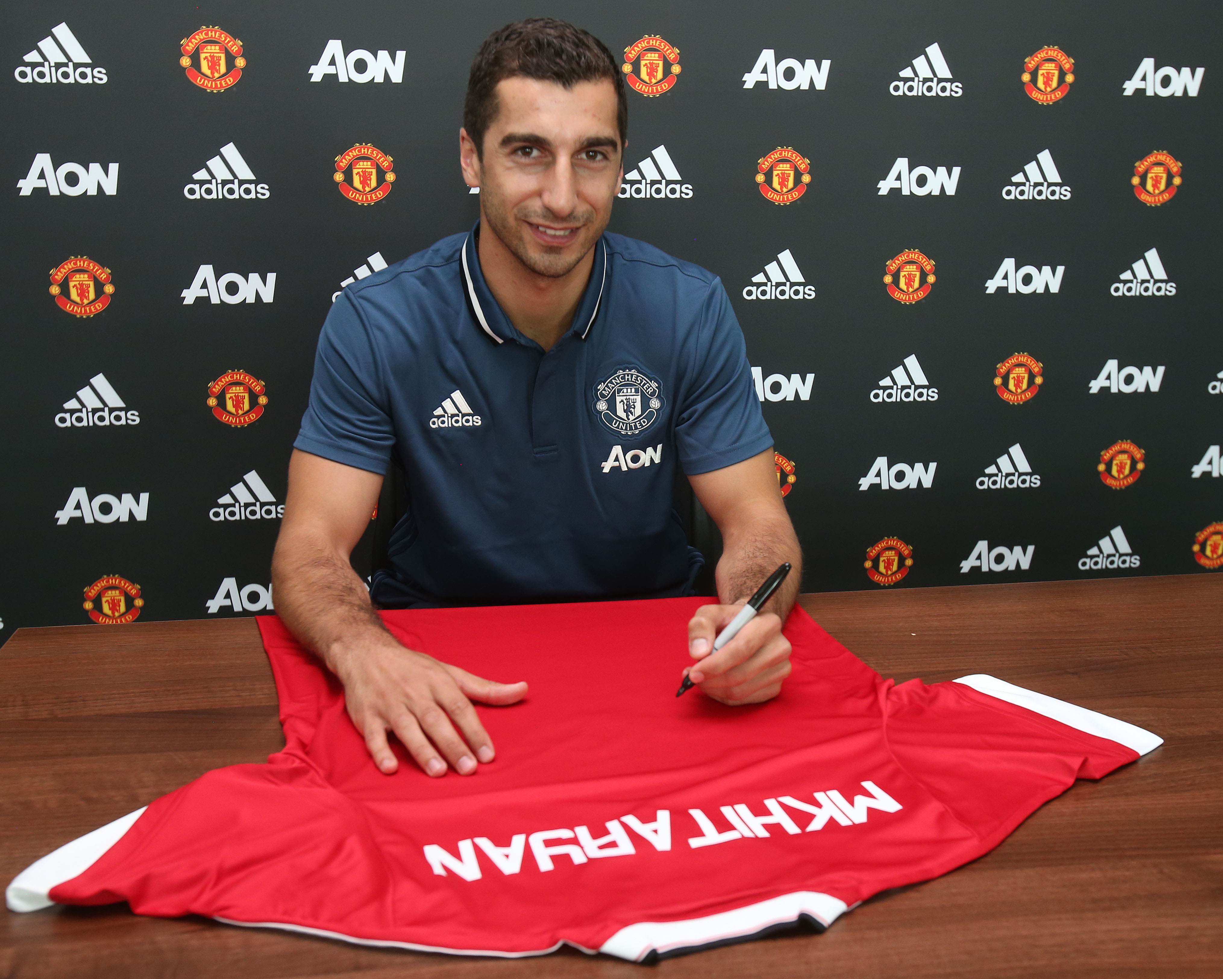 Henrikh Mkhitaryan vows to keep improving at Manchester United
