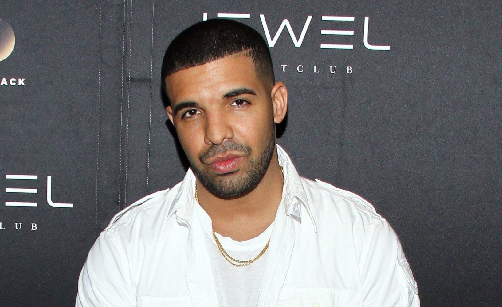 Justin Bieber just ruined any chance Drake had of beating Bryan Adams' chart record