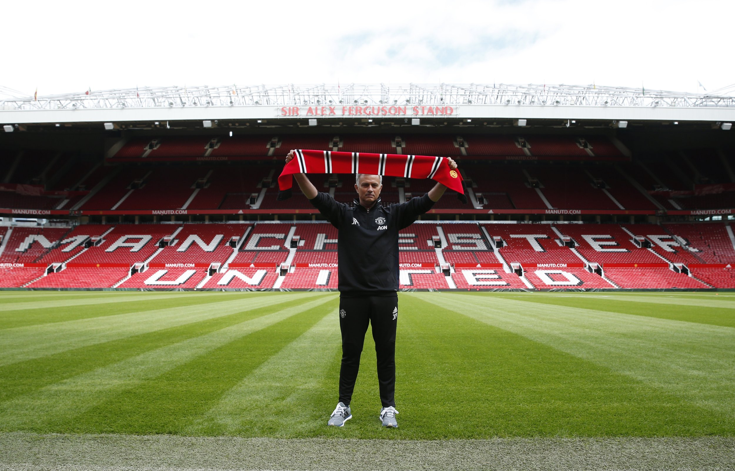 Britain Football Soccer - Manchester United - Jose Mourinho Press Conference - Old Trafford - 5/7/16 New Manchester United manager Jose Mourinho poses ahead of the press conference REUTERS/Andrew Yates Livepic EDITORIAL USE ONLY.