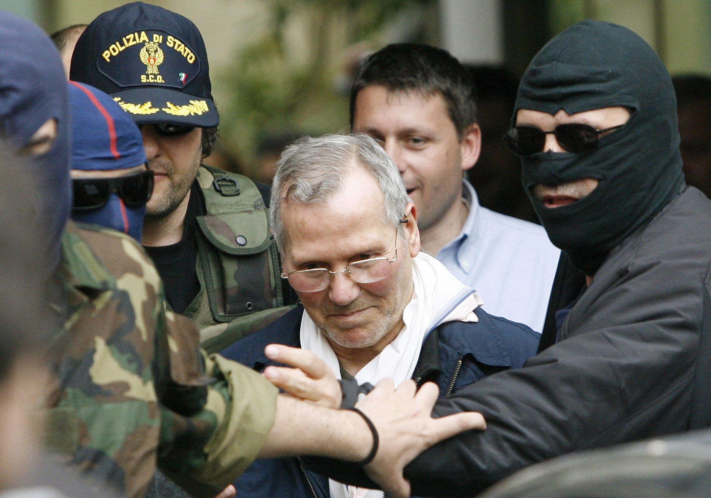 Mafia boss 'the tractor' dies in prison aged 83