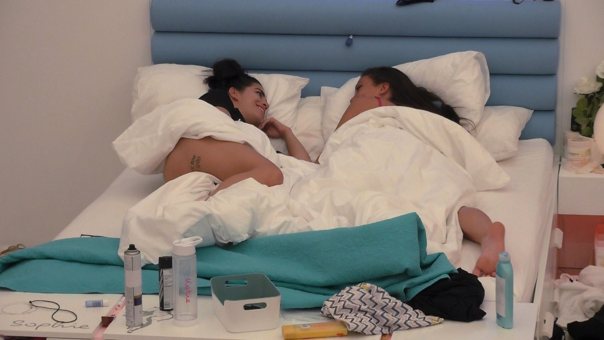 Katie and Sophie get closer (Picture: ITV2)
