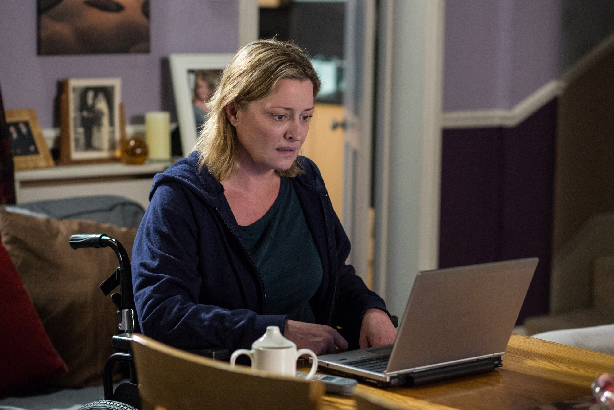 WARNING: Embargoed for publication until 00:00:01 on 16/08/2016 - Programme Name: EastEnders - July - September 2016 - TX: 25/08/2016 - Episode: EastEnders July - September  2016 - 5339 (No. n/a) - Picture Shows: *STRICTLY NOT FOR PUBLICATION UNTIL 00:01HRS, TUESDAY 16th AUGUST, 2016* ***FORTNIGHTLIES PLEASE DO NOT USE (SOAP LIFE AND ALL ABOUT SOAP) Jane makes a shocking disocvery. Jane Beale (LAURIE BRETT) - (C) BBC - Photographer: Jack Barnes