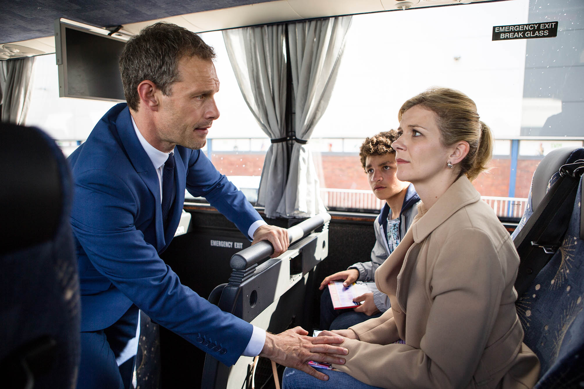 FROM ITV STRICT EMBARGO - NO USE BEFORE TUESDAY 16 AUGUST 2016 Coronation Street - Ep 8974 Monday 22 August 2016 - 2nd Ep As the coach readies to leave, Nick Tilsley [BEN PRICE] scrambles on board and begging Leanne Tilsley [JANE DANSON] not to go, tells her that he knows about the baby. Leanne's stunned. As Simon Barlow [ALEX BAIN] waits with bated breath will the pair admit their love for each other? Picture contact: david.crook@itv.com on 0161 952 6214 Photographer: Mark Bruce This photograph is (C) ITV Plc and can only be reproduced for editorial purposes directly in connection with the programme or event mentioned above, or ITV plc. Once made available by ITV plc Picture Desk, this photograph can be reproduced once only up until the transmission [TX] date and no reproduction fee will be charged. Any subsequent usage may incur a fee. This photograph must not be manipulated [excluding basic cropping] in a manner which alters the visual appearance of the person photographed deemed detrimental or inappropriate by ITV plc Picture Desk. This photograph must not be syndicated to any other company, publication or website, or permanently archived, without the express written permission of ITV Plc Picture Desk. Full Terms and conditions are available on the website www.itvpictures.com
