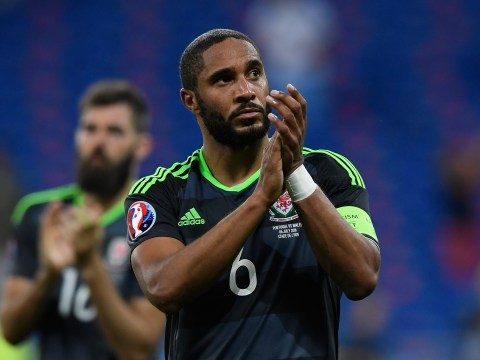 Everton set to sign Swansea City star Ashley Williams in £10m deal