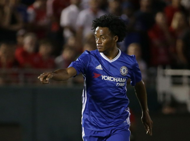 PASADENA, CA - JULY 27:  Juan Cuadrado #17 of Chelsea in action against Liverpool during the 2016 International Champions Cup at Rose Bowl on July 27, 2016 in Pasadena, California.  (Photo by Jeff Gross/Getty Images)