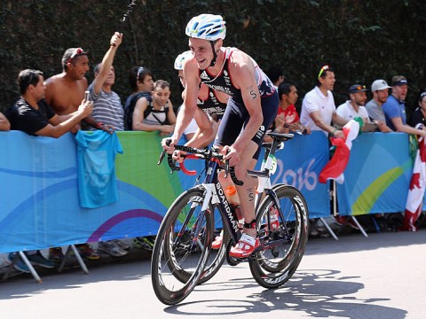 Rio 2016 Olympics: Alistair Brownlee wins gold in men's triathlon ahead of younger brother Jonny