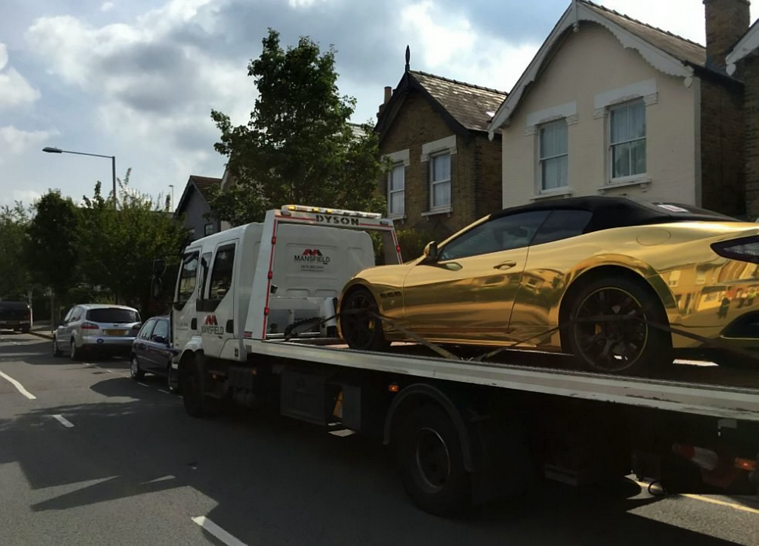 Learner driver gets their Gold Maserati towed